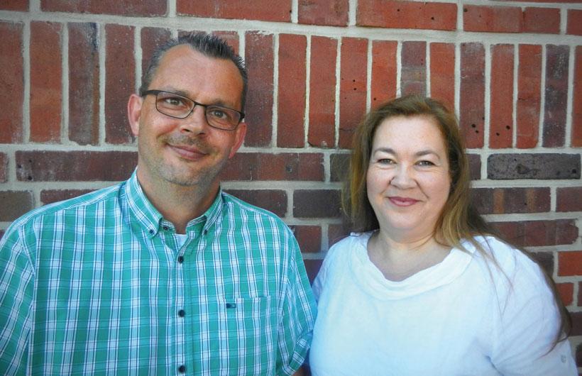 Leiterin der Geschäftstelle Roswitha Bley und Frank Mundzek